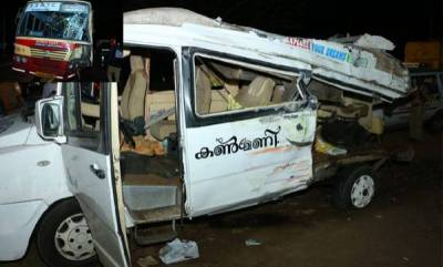 kerala-3-killed-11-injured-as-ksrtc-bus-rams-into-tempo-traveler-in-alappuzha