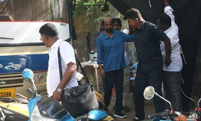latest-news-rajinikanths-darbar-shoot-on-hold-after-stone-pelting-on-sets-in-mumbai