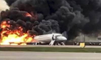 latest-news-pilot-says-lightning-caused-deadly-russian-crash-landing-that-killed-41