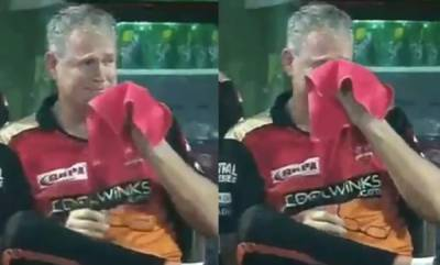 sports-news-tom-moody-breaks-down-in-tears-after-loss-against-delhi-capitals