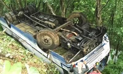 latest-news-bus-accident-at-mundakayam-20-injured