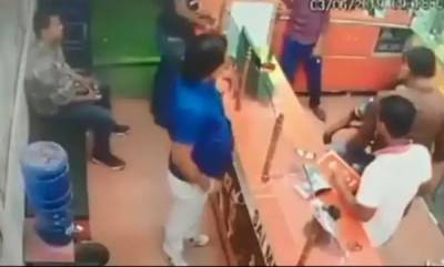 latest-news-ex-bihar-ministers-brother-thrashes-chemist-for-not-standing