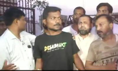 latest-news-journalist-prashant-kanojia-arrested-for-defaming-yogi-adityanath-walks-out-of-jail