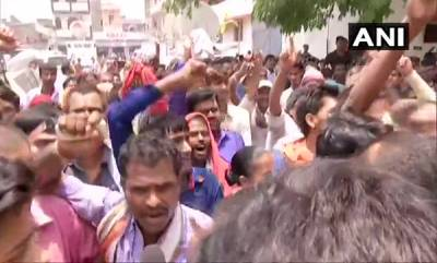 latest-news-locals-hold-protest-outside-sri-krishna-medical-college-and-hospital-in-muzaffarpur-as-bihar-cm-nitish-kumar-is-present