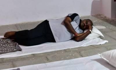 latest-news-karnataka-cm-kumaraswamy-sleeps-on-floor-during-his-village-stay
