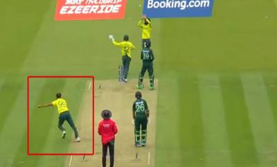 sports-news-imran-thahir-started-his-celebration-before-getting-the-wicket