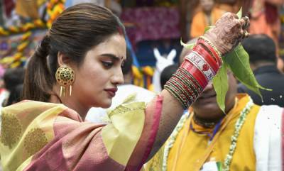 latest-news-nusrat-jahan-with-mamata-banerjee-at-rath-yatra