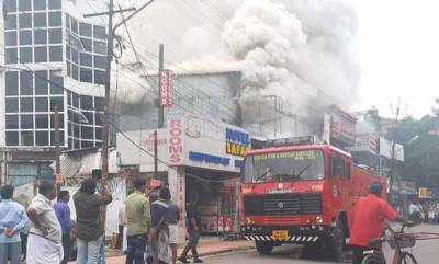 latest-news-fire-at-kochi-sandal-shop