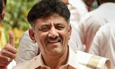 india-shivakumar-meets-rebel-congress-mla-nagaraj-in-bengaluru-asks-to-reconsider-resignation