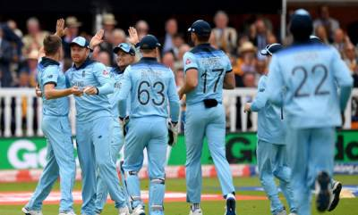 latest-news-world-cup-2019-chris-woakes-strikes-for-england-as-new-zealand-lose-martin-guptill-early