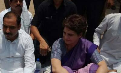 latest-news-priyanka-gandhi-detained-on-way-to-visit-families-of-10-shot-dead-in-up