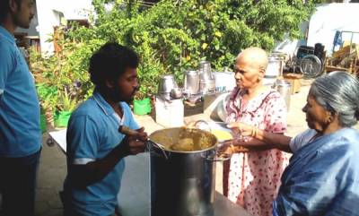 rosy-news-tn-auto-driver-once-wanted-to-end-his-life-today-he-feeds-thousands-of-homeless