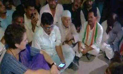 latest-news-priyanka-gandhi-spent-the-night-at-a-guest-house-in-mirzapur