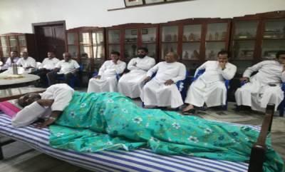 latest-news-pt-thomas-mla-visits-protesting-priests