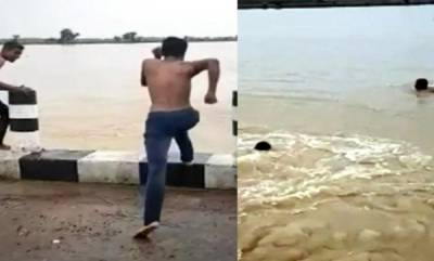 latest-news-bihar-boy-shoots-tiktok-video-in-heavy-flood-water-currents-sweep-him-to-death-scary-viral-clip