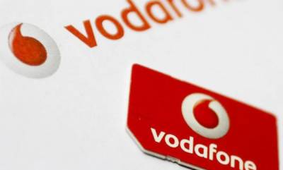 tech-news-vodafone-is-giving-free-data-calls-cashback-and-more