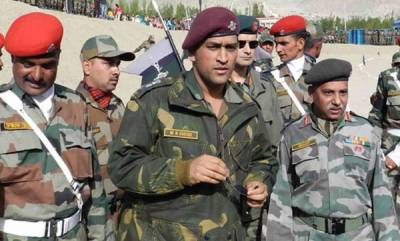 latest-news-ms-dhoni-playing-volleyball-with-army-battalion