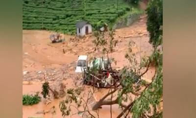 kerala-kerala-flood-navy-team-heads-to-wayanad-for-rescue-operations