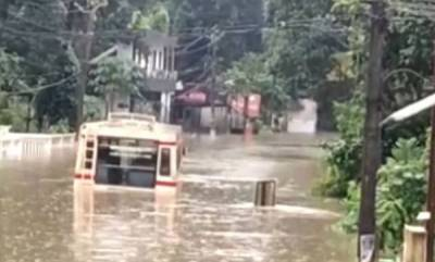 latest-news-ksrtc-stuck-in-flood