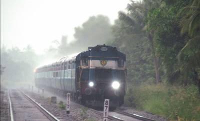 latest-news-heavy-rain-maveli-malabar-mangalore-express-trains-cancelled