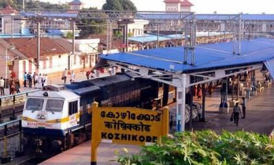latest-news-heavy-rain-in-kerala-12-train-cancelled