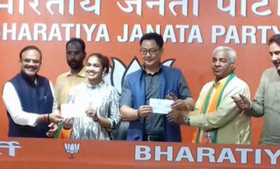 latest-news-babith-phogat-and-father-join-bjp
