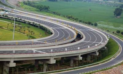 latest-news-4-it-workers-killed-as-new-suv-falls-off-yamuna-expressway