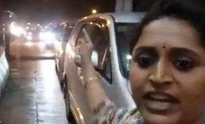latest-news-actress-surabhi-paliyekkara-toll-plaza