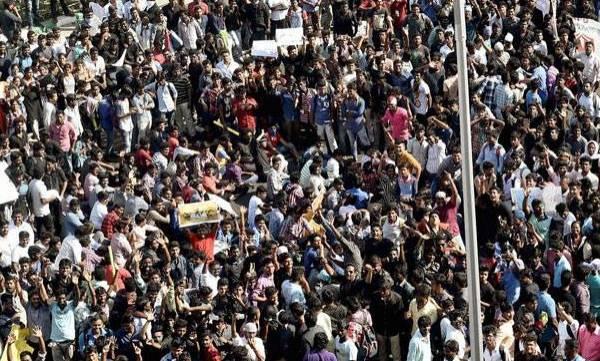 india-jallikattu-marina-teems-with-protesters-stir-peaks