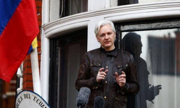 world-new-ecuador-leader-says-hacker-assange-can-stay-at-embassy