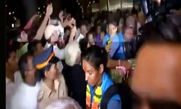 sports-news-mithali-raj-and-co-receive-rousing-reception-at-mumbai-airport-on-return-from-england