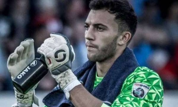 football, max crocombe, goalkeeper