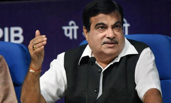 auto-click-pictures-of-illegally-parked-cars-get-rewarded-says-nitin-gadkari