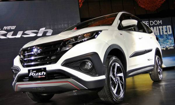 auto-toyota-introduced-the-new-version-of-rush