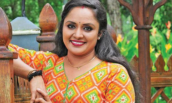 Nisha Sarang, uppum mulakum