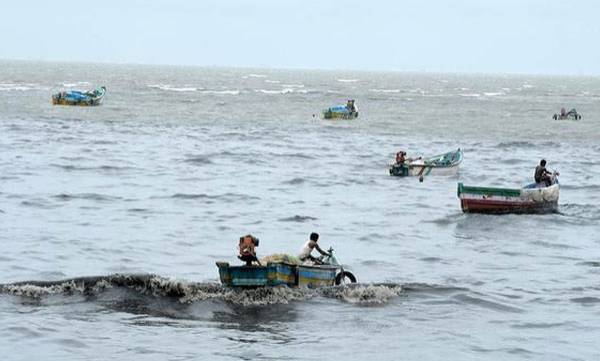 Navy, 180 fisherman, Lakshadweep