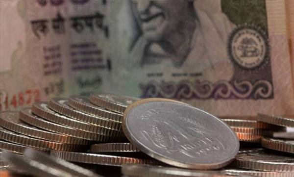 business-news-rupee-hits-3-month-high-against-us-dollar-after-exit-polls-show-bjp-win-in-gujarat