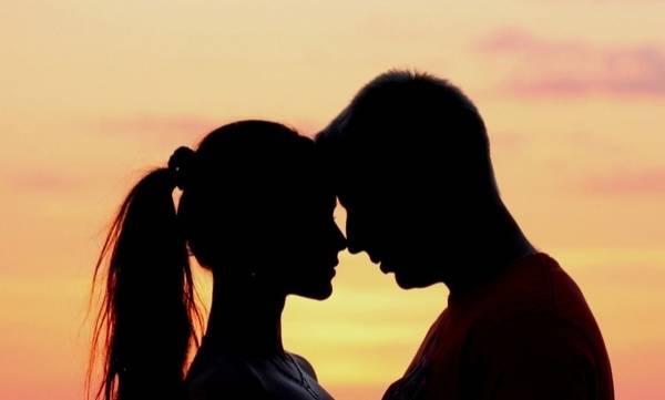 uploads/news/2017/12/176352/kiss.jpg