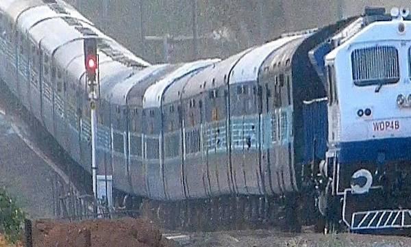 uploads/news/2018/02/191148/railway.jpg