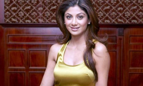 uploads/news/2018/02/191964/CiniChtChatShilpashetty2.jpg