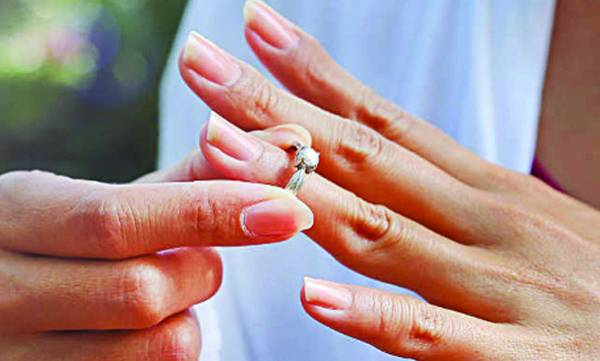 uploads/news/2018/04/206045/joythi040418at.jpg