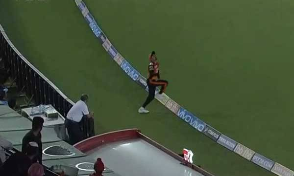 sports-news-manish-pandeys-fielding-goes-viral