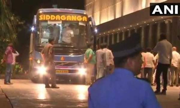 Karnataka tussle, Congress, JD(S) MLA,  Hyderabad
