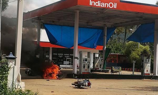 uploads/news/2018/05/218542/petrol-pump.jpg
