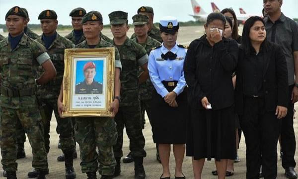 Thai cave mourns