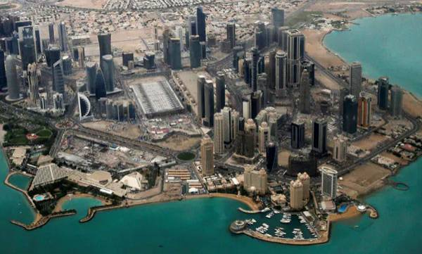 Saudi,  Qatar,  Island