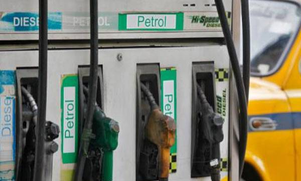 uploads/news/2018/09/247454/petrol.jpg