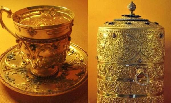Nizam's Gold Tiffin Box