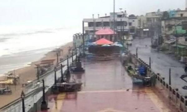 uploads/news/2018/10/255882/cyclone.jpg