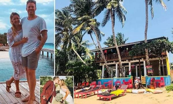 UK Couple,  Honeymoon, Hotel